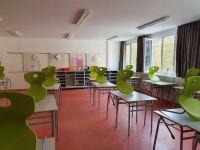Klassenzimmer-im-Pavillon